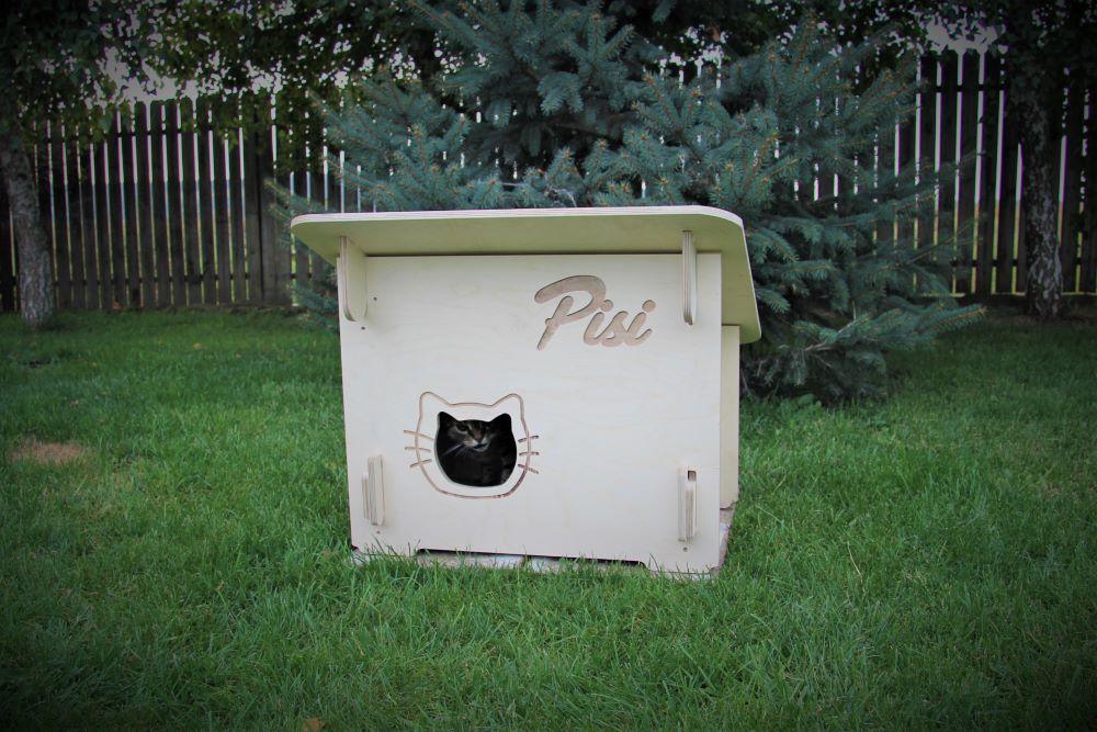 outdoor cat house winter