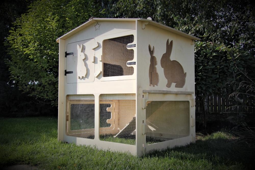 Rabbit hutch