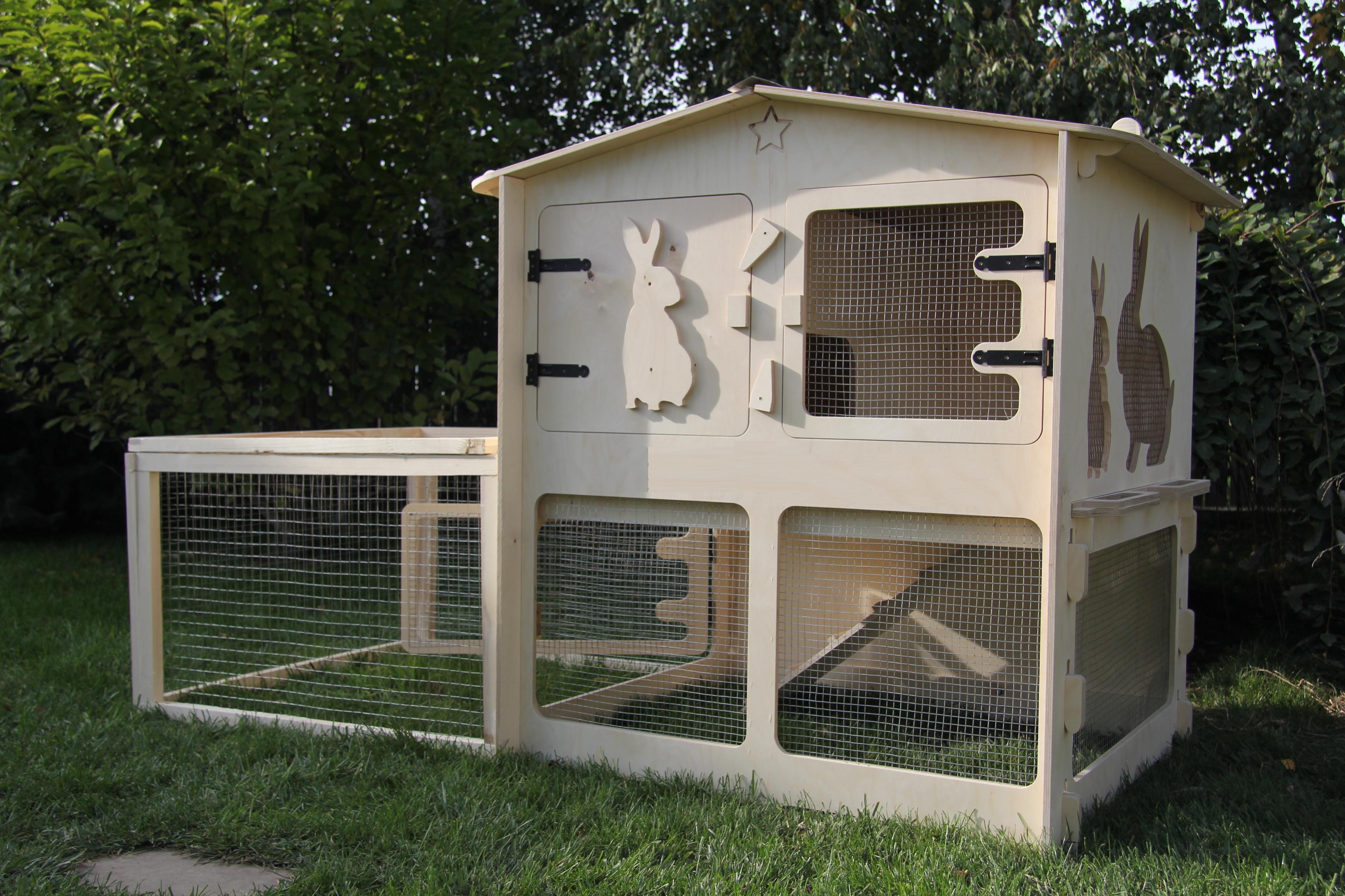 rabbit hutch with enclosed run